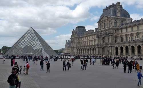 La Francia apre ai turisti